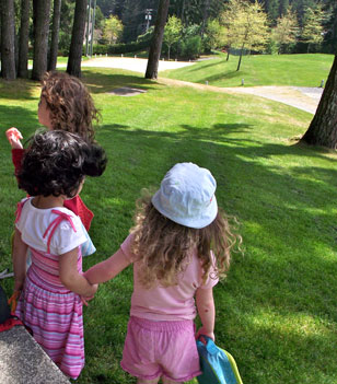 Shawnigan-Lake-Montessori-Daily-life-10